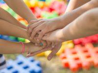 hands-2847508_1280-2